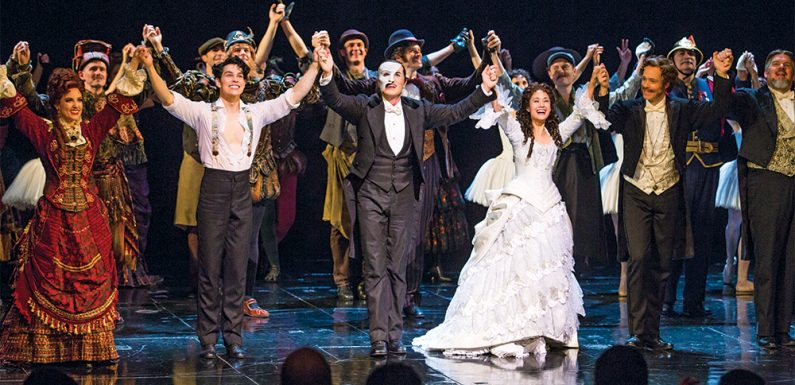 "What Made the ""Phantom of the Opera"" a Classic Musical?"